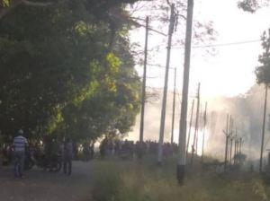 Al menos un muerto tras intento de saqueo a camiones de pollo en Cojedes (Video)