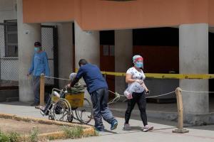 """Maduro retoma la """"flexibilización"""" en Venezuela tras casi un mes de cuarentenas"""