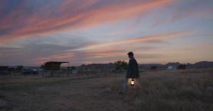 """""""Nomadland"""" gana los premios de mejor filme y mejor realizador en los Bafta"""