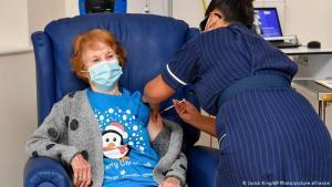 Reino Unido logró su objetivo de vacunación para los mayores de 50 años