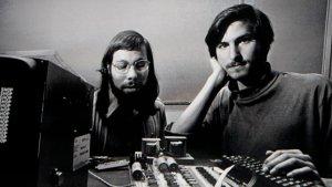 Apple cumple 45 años: El mito del garaje y los mil 300 dólares de capital inicial