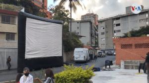 Cine móvil se instala en Caracas para aliviar soledad de la pandemia