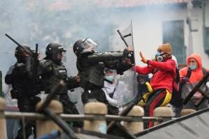 Manifestantes en Colombia señalan a la Policía por violencia sexual