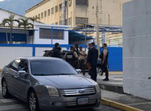 En FOTOS: Esbirros de Maduro embargan a la sede de El Nacional en Caracas