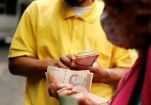 Reconversión monetaria ¿La solución a la crisis económica? -Participa en nuestra encuesta