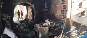 Terrible incendio en Táchira: Dos niños se salvan de morir quemados al refugiarse en un baño