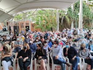 Vecinos exigen revocar conformidad de uso de licorería en Prados del Este y rechazan intimidación judicial (Videos)