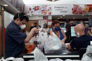 En un año el dólar perdió 49% de su poder de compra para adquirir alimentos en Venezuela