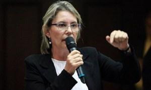 Diputada Lozano: De haber tenido derechos, Eldric Sella no se hubiese ido de su país