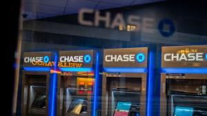 """Quedó impactada tras recibir """"por error"""" mil millones de dólares en su cuenta bancaria"""