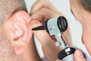 ¡Cuidado! El Covid-19 también puede afectar el oído