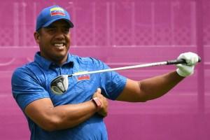 El venezolano Jhonattan Vegas cerró la primera jornada del golf olímpico en el quinto lugar