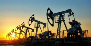 Petróleo se estabiliza en un mercado expectante