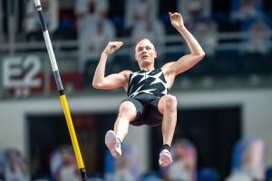 El doble campeón mundial de salto con pértiga, Sam Kendricks, se despide de Tokio tras contagiarse con Covid-19