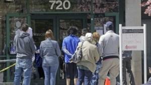 La cifra semanal de pedidos del subsidio de desempleo en EEUU disminuyó a 400 mil