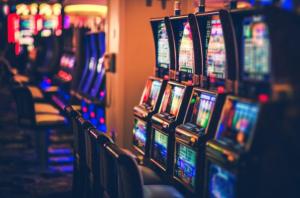 Apertura de casinos: Dos realidades de un país – Participa en nuestra encuesta