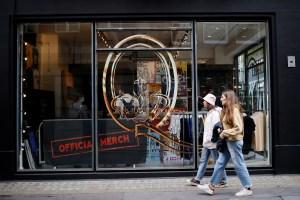 Queen celebra cinco décadas de música con una tienda física en Londres (FOTOS)