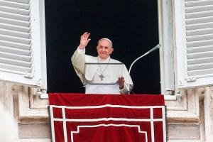 El papa Francisco pide una solución duradera para flujos migratorios en el Mediterráneo