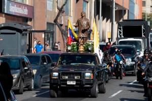 Caracas se llenó de fe con la caravana en honor al natalicio del Dr. José Gregorio Hernández (Videos)
