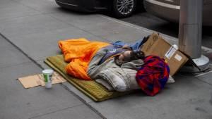 EEUU enfrenta un gran aumento de la pobreza mientras los recursos se agotan por la pandemia