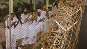 Lo confundieron con un terrorista: EEUU aprueba tras 19 años la liberación de prisionero en Guantánamo