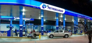 Ecuador congela los precios de la gasolina y el diésel