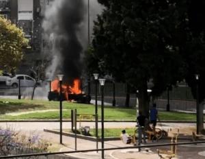 Conmoción en Buenos Aires: Explotó y se incendió un taxi en Recoleta (VIDEO)